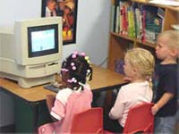 Children in front of the computer